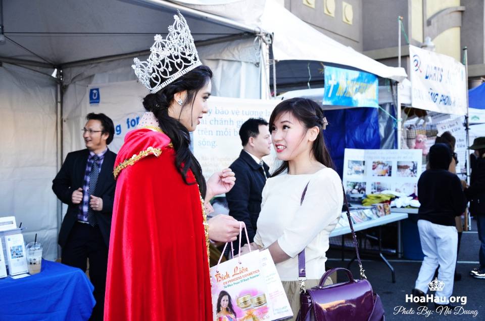 Hoa Hau Ao Dai Tet Lunar New Year 2013 - Image 149