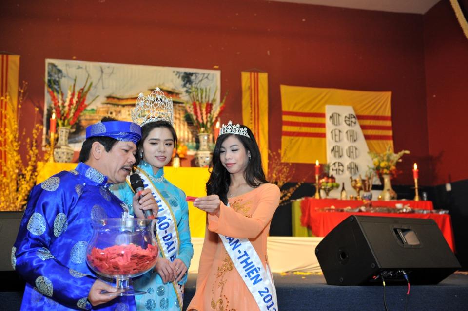 Hoi Dong Huong 2013 - Hue Association - Image 018