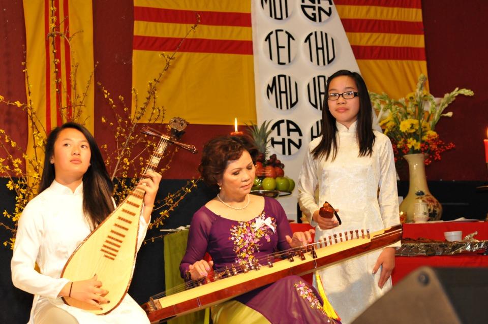 Hoi Dong Huong 2013 - Hue Association - Image 027