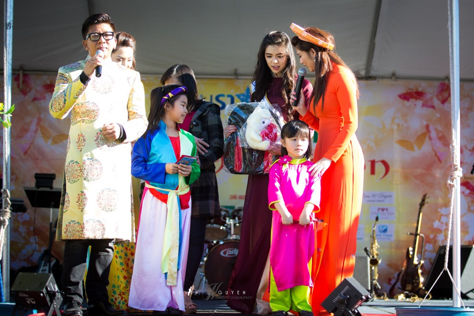 Hoi Hoa Xuân 2015 - Miss Vietnam of Northern California 2015 - Grand Century Mall - San Jose, CA - Image 104