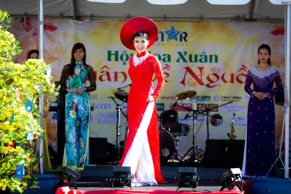 Hoi Hoa Xuân 2015 - Miss Vietnam of Northern California 2015 - Grand Century Mall - San Jose, CA - Image 140