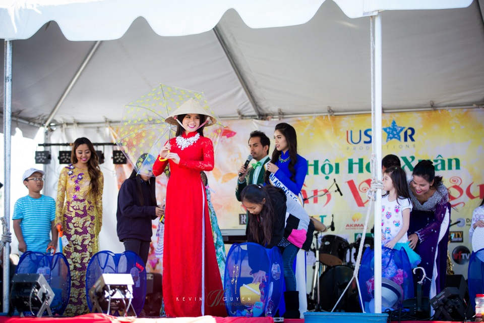 Hoi Hoa Xuân 2015 - Miss Vietnam of Northern California 2015 - Grand Century Mall - San Jose, CA - Image 145