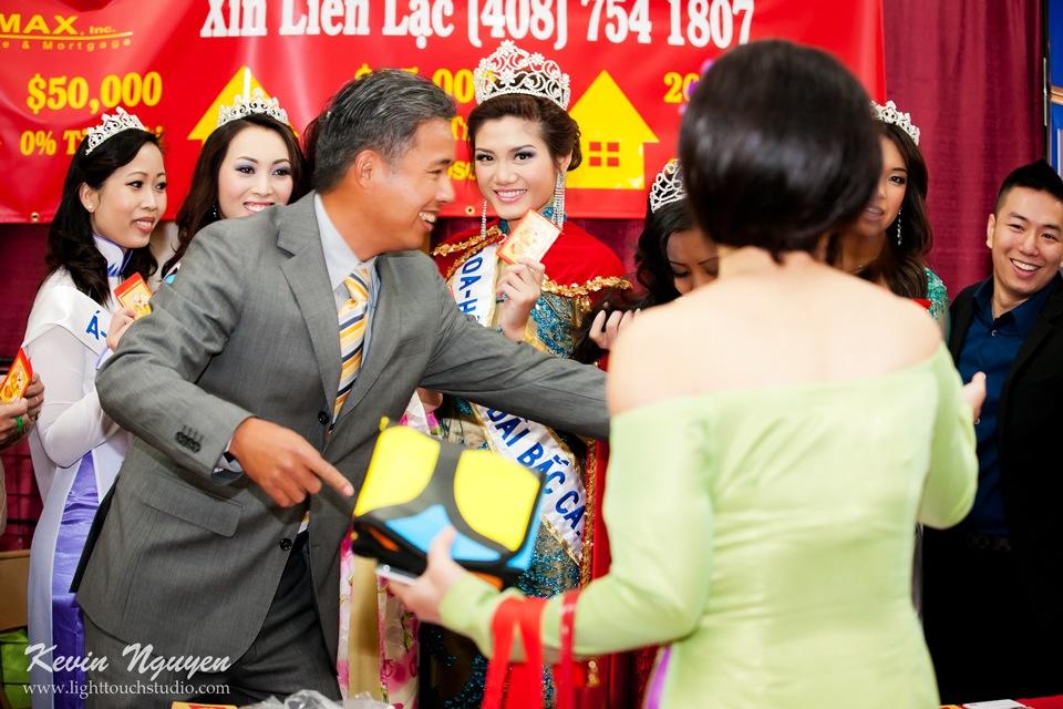 Hoi Tet 2012 - Hoa Hau Ao Dai Bac Cali 2012 - Quynh Phuong - Miss Vietnam of Northern California - Image 005