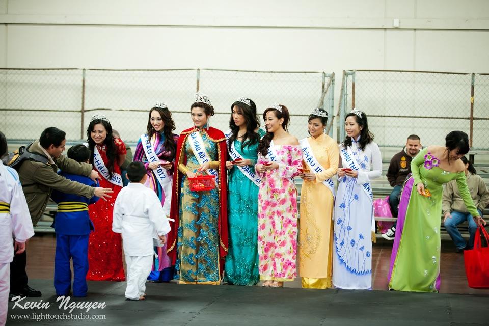 Hoi Tet 2012 - Hoa Hau Ao Dai Bac Cali 2012 - Quynh Phuong - Miss Vietnam of Northern California - Image 020