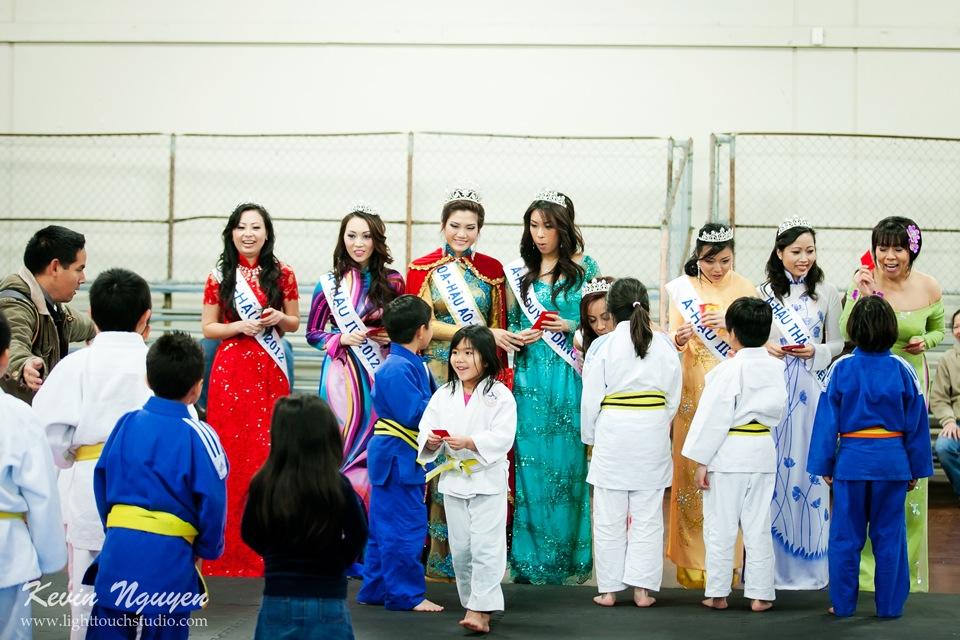 Hoi Tet 2012 - Hoa Hau Ao Dai Bac Cali 2012 - Quynh Phuong - Miss Vietnam of Northern California - Image 021