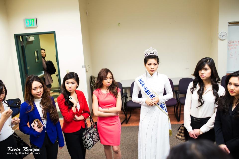 Contestant Interviews 2013 - Hoa-Hau Ao-Dai - Image 012