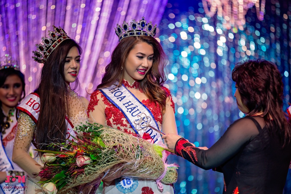 Miss Vietnam California 2016 - Pageant Day - Image 162