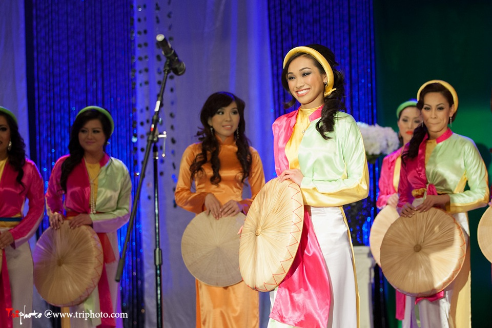 Miss Vietnam of Northern California 2012 Pageant - Hoa Hau Ao Dai Bac Cali 2012 - Image 011