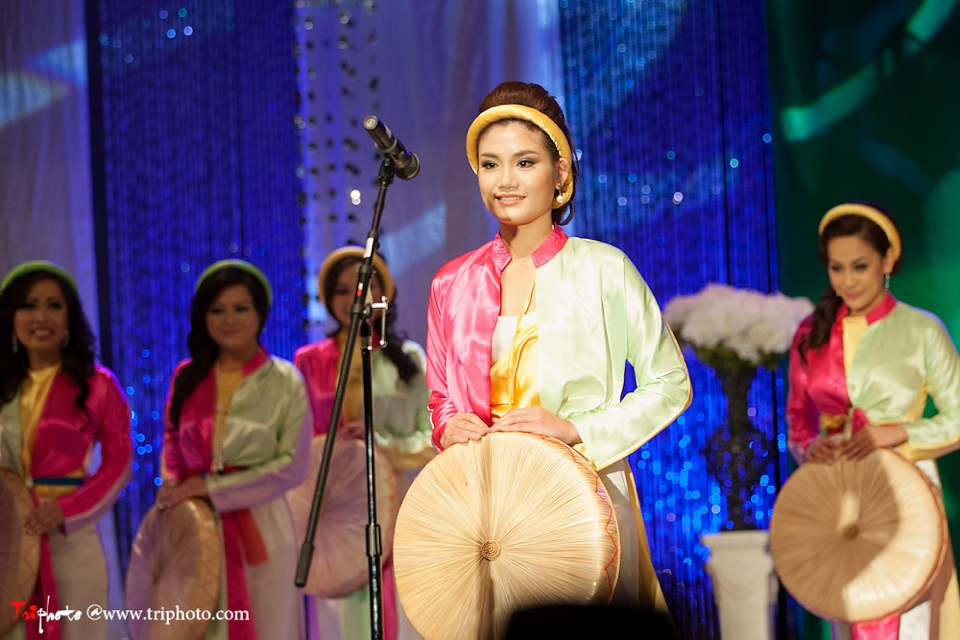 Miss Vietnam of Northern California 2012 Pageant - Hoa Hau Ao Dai Bac Cali 2012 - Image 012