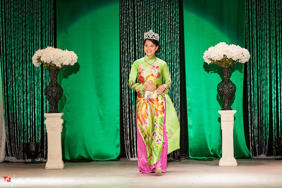 Miss Vietnam of Northern California 2012 Pageant - Hoa Hau Ao Dai Bac Cali 2012 - Image 027