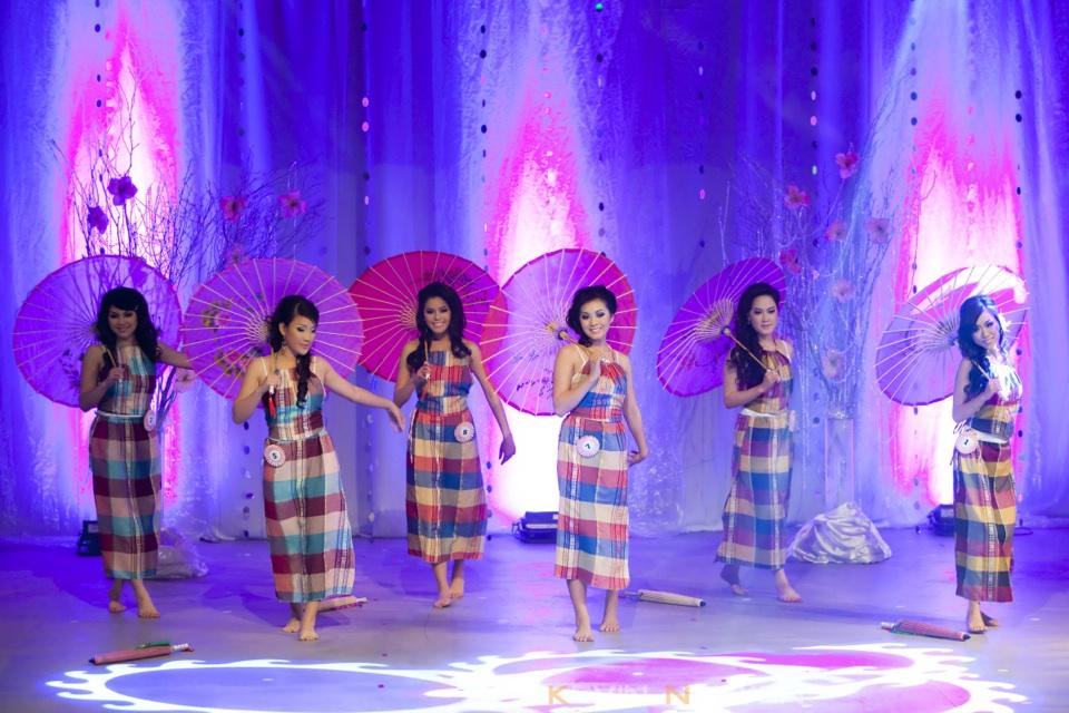 Miss Vietnam - Hoa Hau Ao Dai Bac Cali 2010 - Pageant Day - Image 003