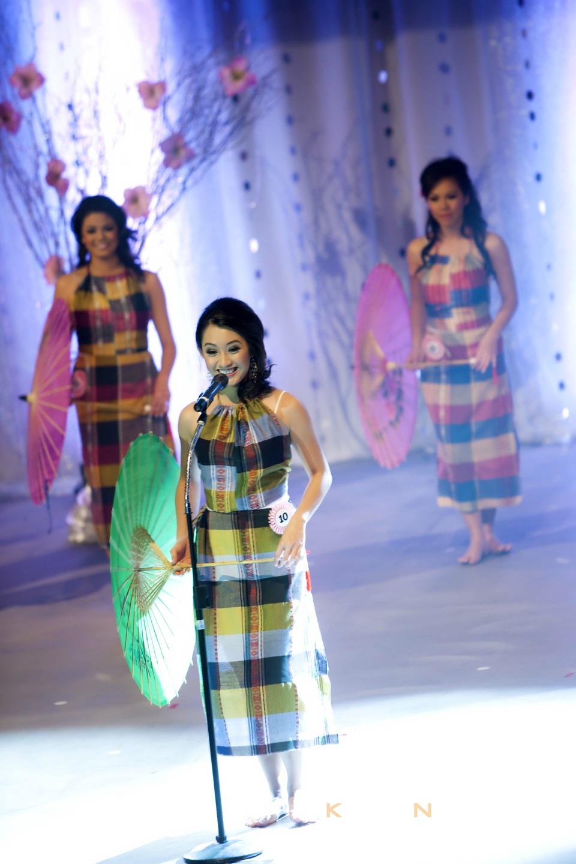 Miss Vietnam - Hoa Hau Ao Dai Bac Cali 2010 - Pageant Day - Image 008