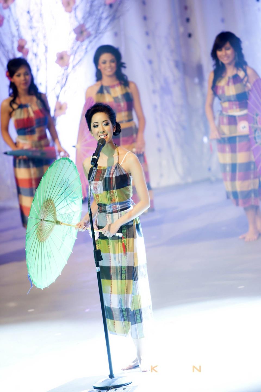Miss Vietnam - Hoa Hau Ao Dai Bac Cali 2010 - Pageant Day - Image 010