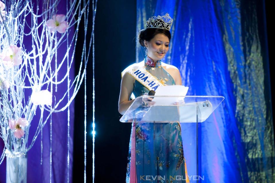 Miss Vietnam - Hoa Hau Ao Dai Bac Cali 2010 - Pageant Day - Image 013