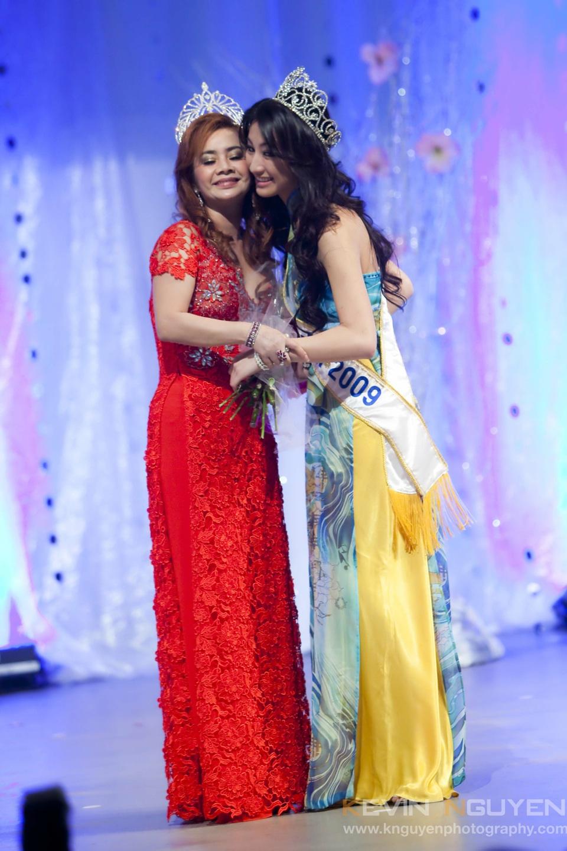 Miss Vietnam - Hoa Hau Ao Dai Bac Cali 2010 - Pageant Day - Image 015