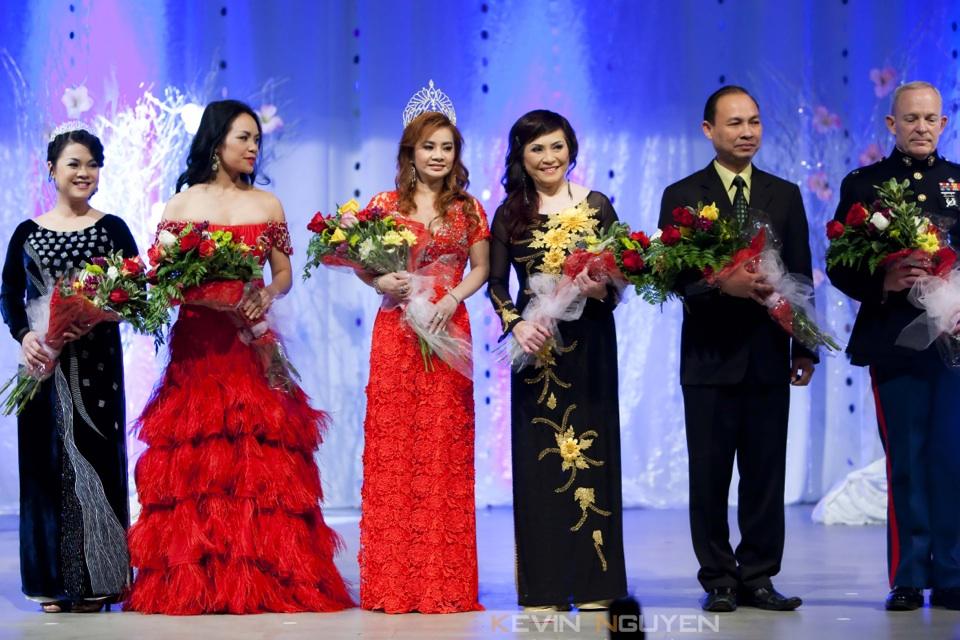 Miss Vietnam - Hoa Hau Ao Dai Bac Cali 2010 - Pageant Day - Image 019
