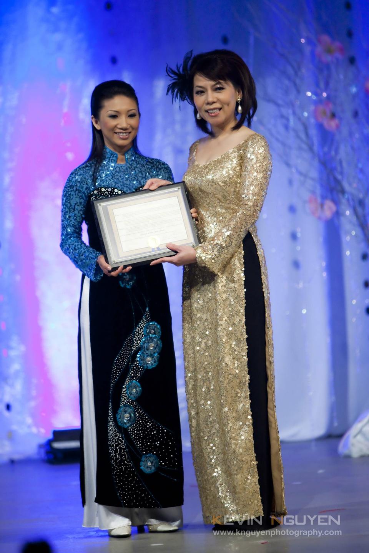 Miss Vietnam - Hoa Hau Ao Dai Bac Cali 2010 - Pageant Day - Image 022