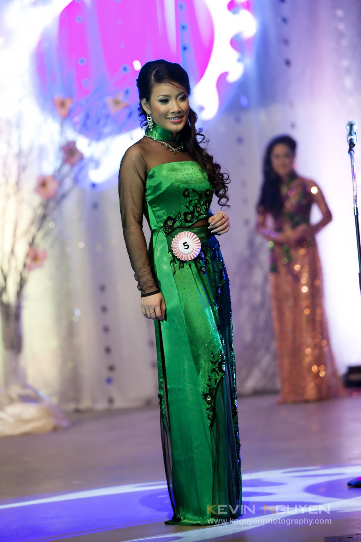 Miss Vietnam - Hoa Hau Ao Dai Bac Cali 2010 - Pageant Day - Image 030