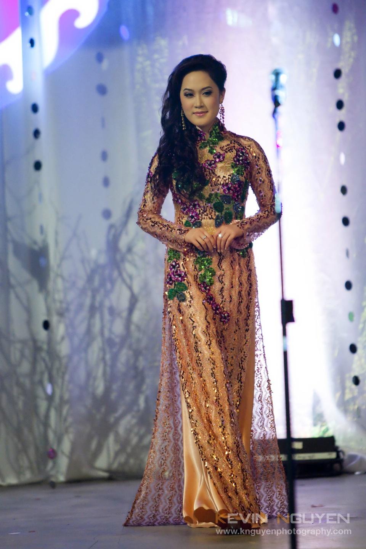 Miss Vietnam - Hoa Hau Ao Dai Bac Cali 2010 - Pageant Day - Image 031