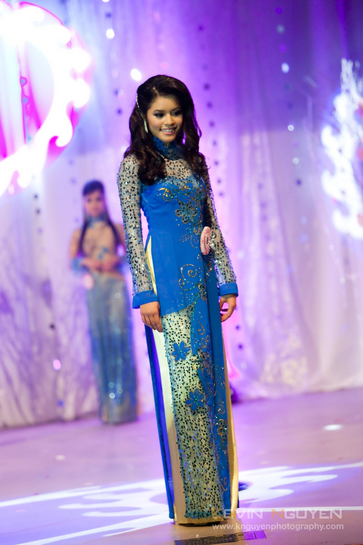 Miss Vietnam - Hoa Hau Ao Dai Bac Cali 2010 - Pageant Day - Image 033