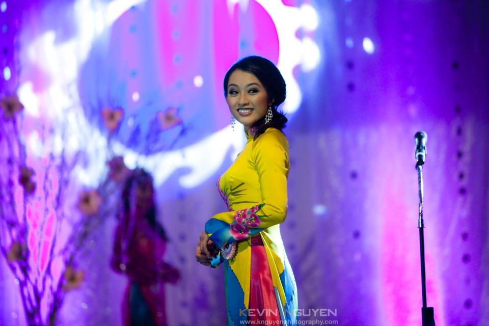 Miss Vietnam - Hoa Hau Ao Dai Bac Cali 2010 - Pageant Day - Image 036