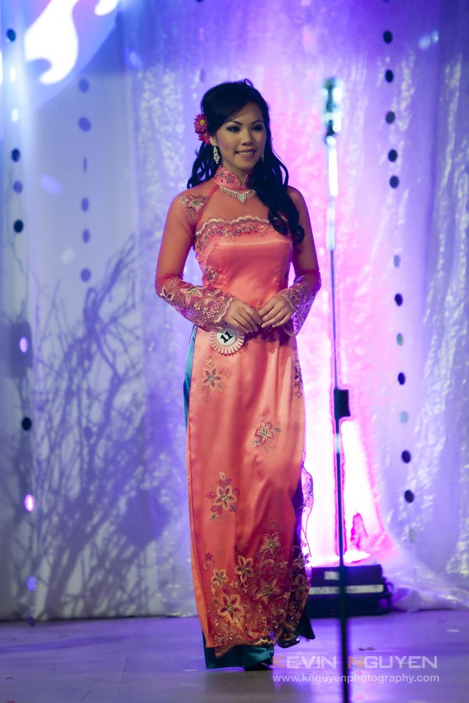 Miss Vietnam - Hoa Hau Ao Dai Bac Cali 2010 - Pageant Day - Image 037