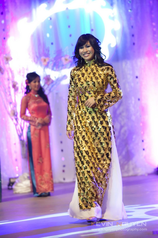 Miss Vietnam - Hoa Hau Ao Dai Bac Cali 2010 - Pageant Day - Image 040
