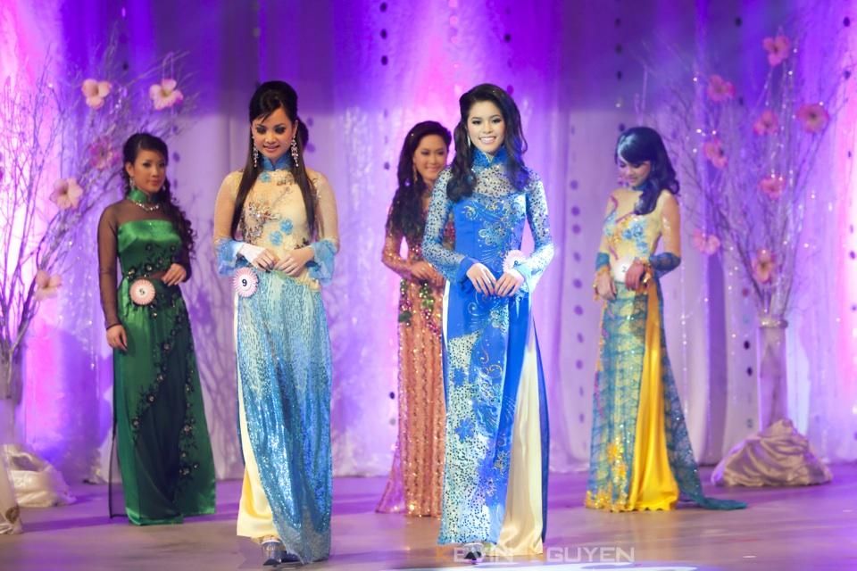 Miss Vietnam - Hoa Hau Ao Dai Bac Cali 2010 - Pageant Day - Image 044
