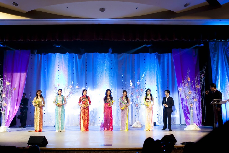 Miss Vietnam - Hoa Hau Ao Dai Bac Cali 2010 - Pageant Day - Image 054