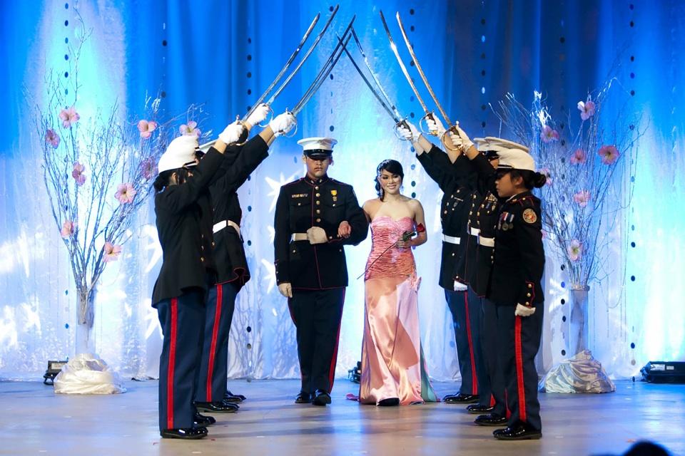 Miss Vietnam - Hoa Hau Ao Dai Bac Cali 2010 - Pageant Day - Image 058