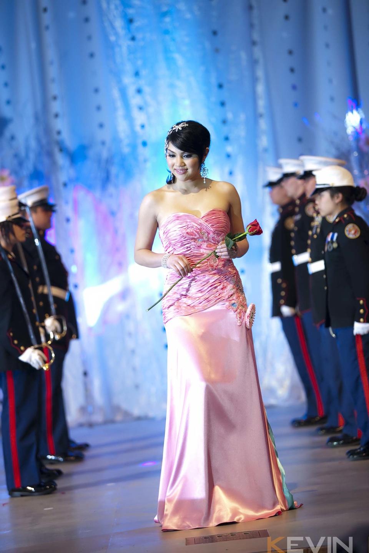 Miss Vietnam - Hoa Hau Ao Dai Bac Cali 2010 - Pageant Day - Image 059