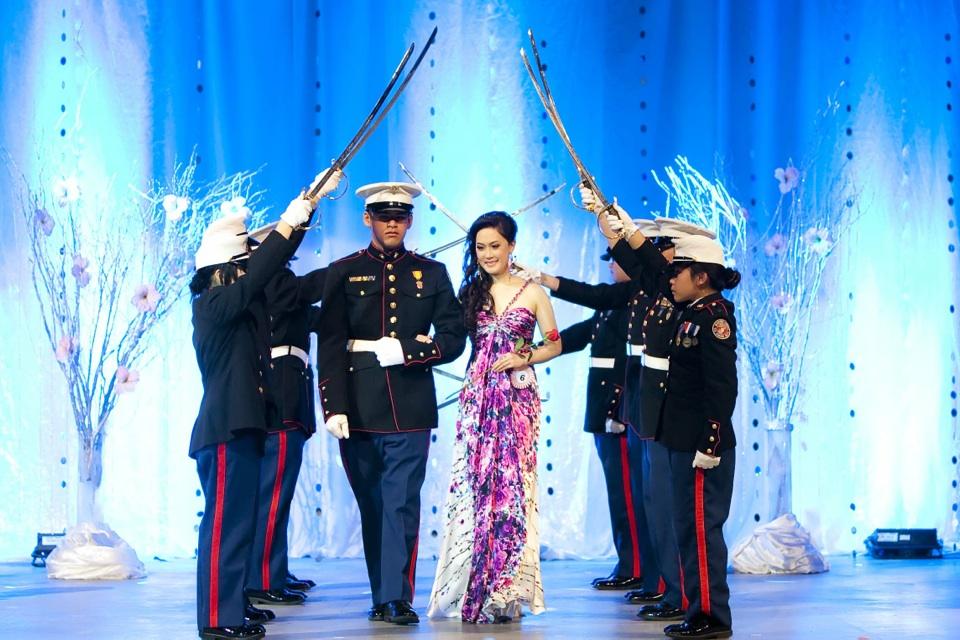Miss Vietnam - Hoa Hau Ao Dai Bac Cali 2010 - Pageant Day - Image 062
