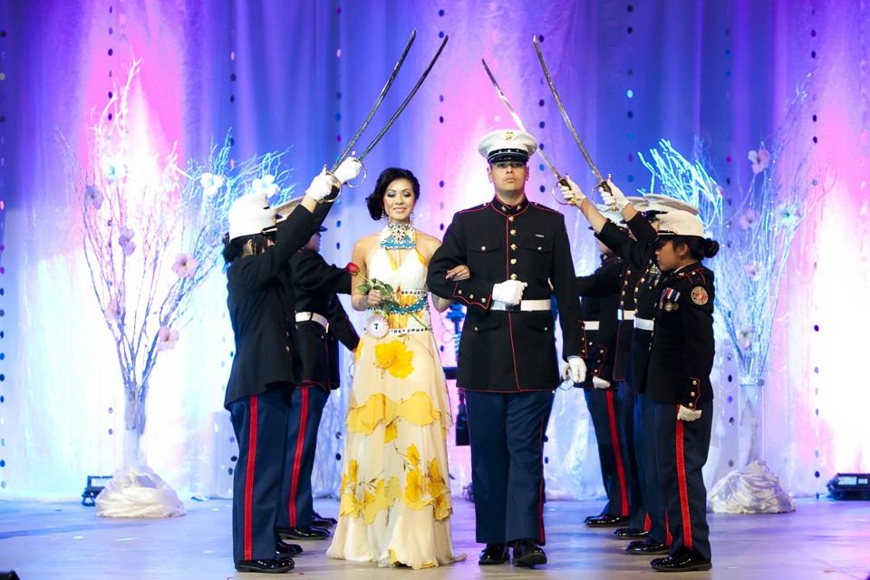 Miss Vietnam - Hoa Hau Ao Dai Bac Cali 2010 - Pageant Day - Image 064