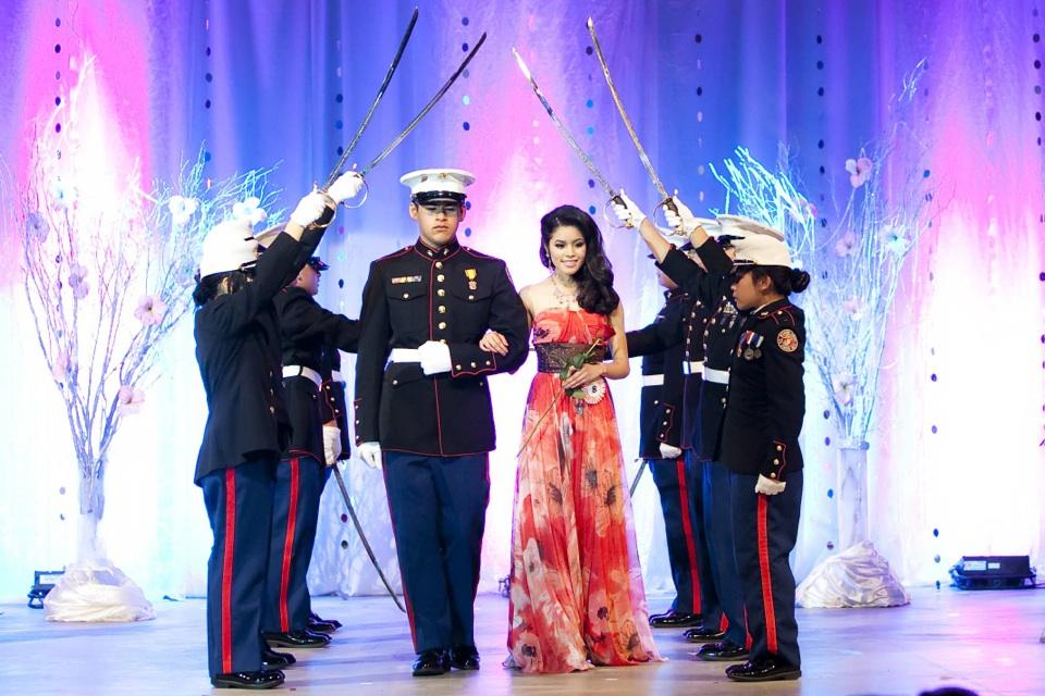 Miss Vietnam - Hoa Hau Ao Dai Bac Cali 2010 - Pageant Day - Image 066