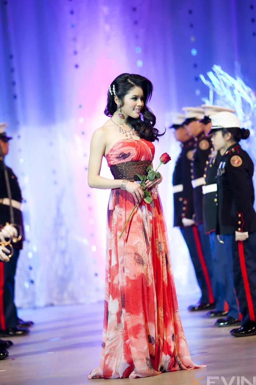 Miss Vietnam - Hoa Hau Ao Dai Bac Cali 2010 - Pageant Day - Image 067