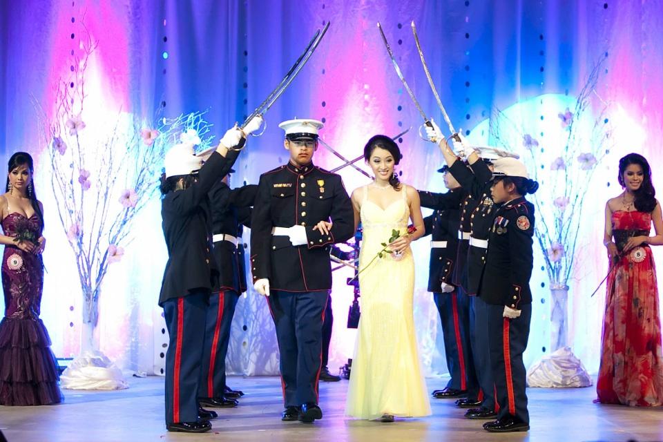 Miss Vietnam - Hoa Hau Ao Dai Bac Cali 2010 - Pageant Day - Image 071