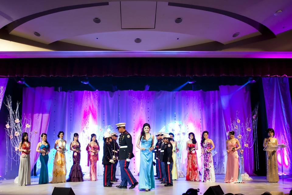 Miss Vietnam - Hoa Hau Ao Dai Bac Cali 2010 - Pageant Day - Image 077