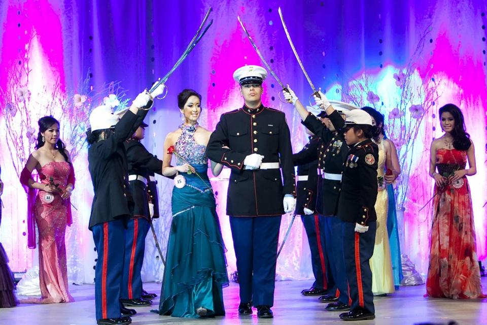 Miss Vietnam - Hoa Hau Ao Dai Bac Cali 2010 - Pageant Day - Image 078