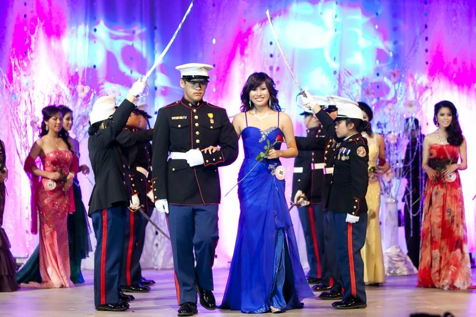 Miss Vietnam - Hoa Hau Ao Dai Bac Cali 2010 - Pageant Day - Image 080