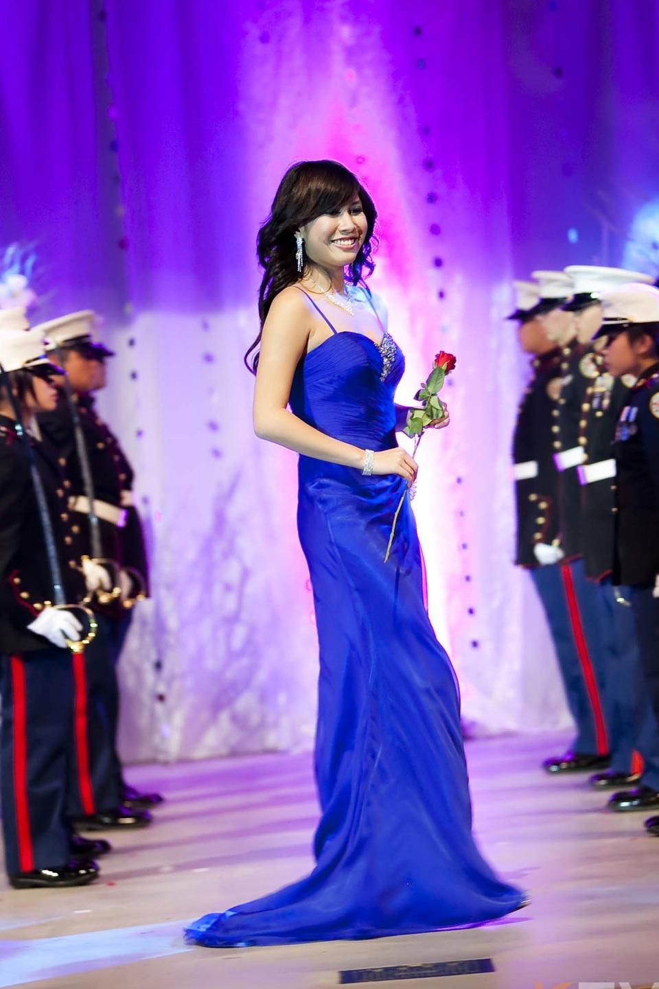 Miss Vietnam - Hoa Hau Ao Dai Bac Cali 2010 - Pageant Day - Image 081