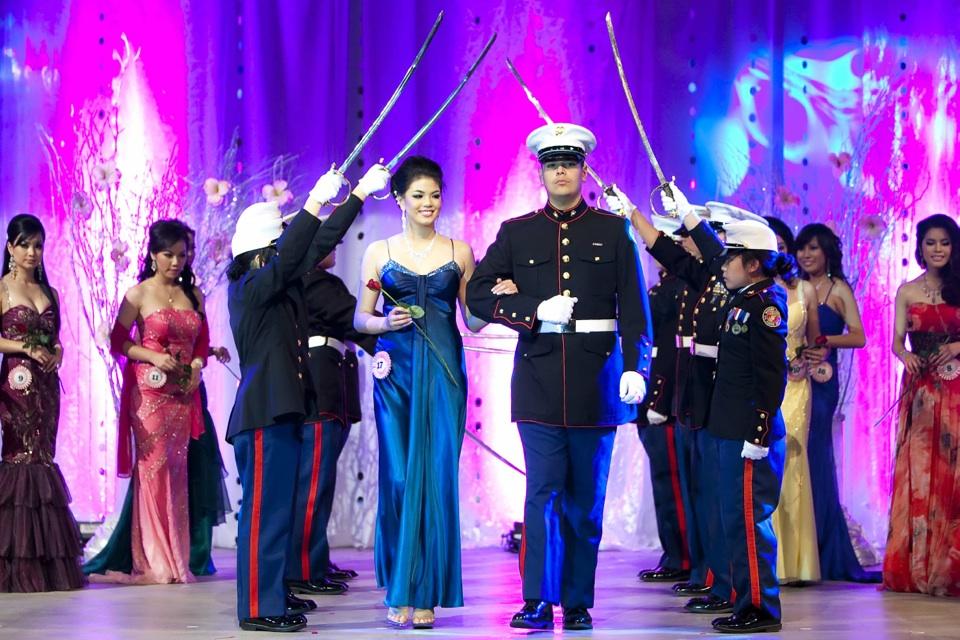 Miss Vietnam - Hoa Hau Ao Dai Bac Cali 2010 - Pageant Day - Image 082