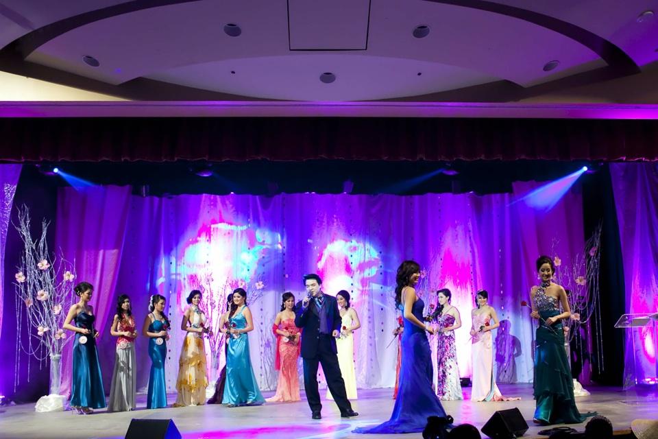 Miss Vietnam - Hoa Hau Ao Dai Bac Cali 2010 - Pageant Day - Image 084