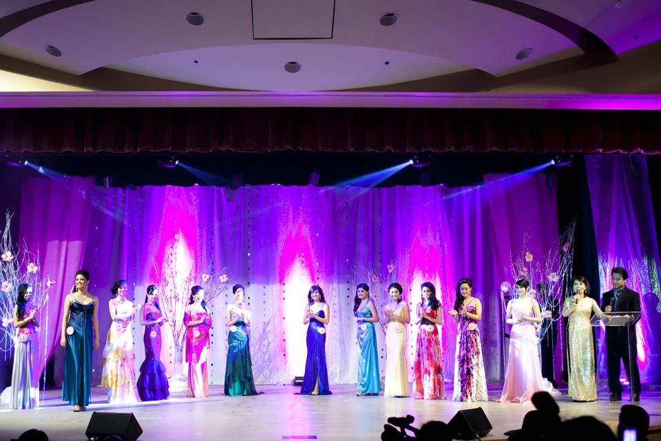 Miss Vietnam - Hoa Hau Ao Dai Bac Cali 2010 - Pageant Day - Image 088