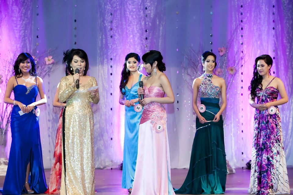 Miss Vietnam - Hoa Hau Ao Dai Bac Cali 2010 - Pageant Day - Image 090