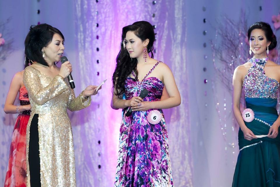 Miss Vietnam - Hoa Hau Ao Dai Bac Cali 2010 - Pageant Day - Image 093