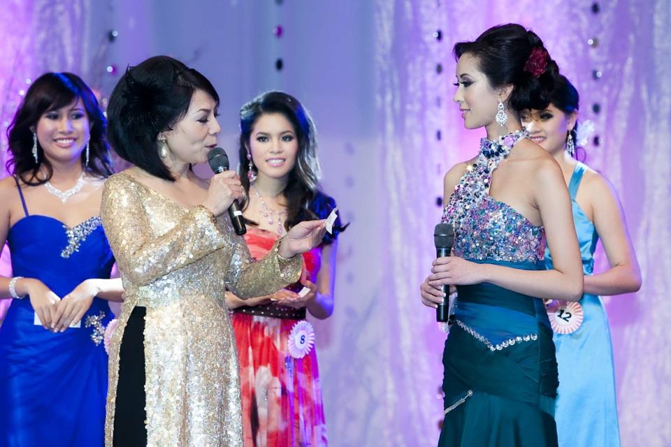 Miss Vietnam - Hoa Hau Ao Dai Bac Cali 2010 - Pageant Day - Image 095