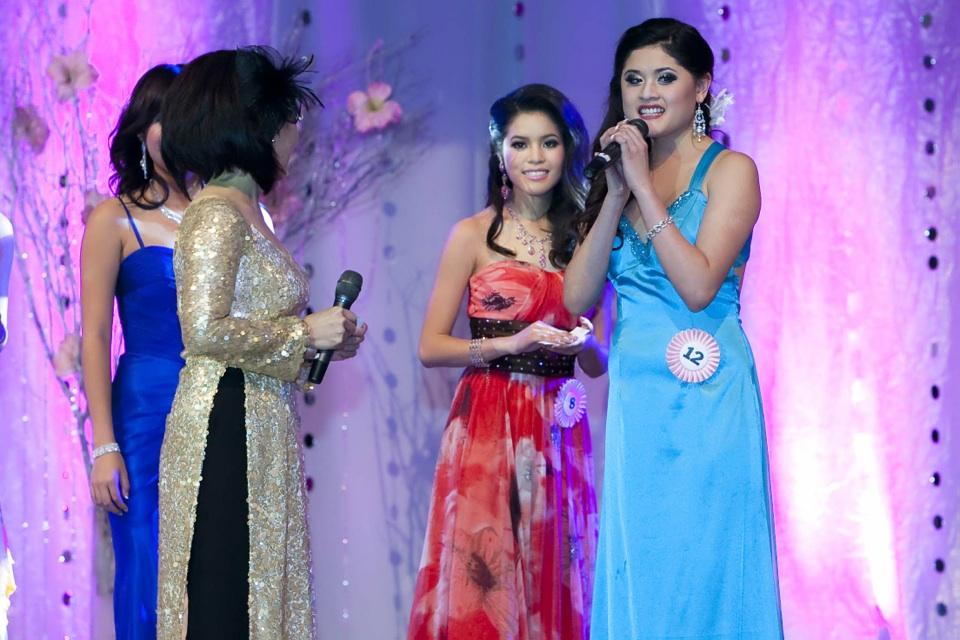 Miss Vietnam - Hoa Hau Ao Dai Bac Cali 2010 - Pageant Day - Image 097