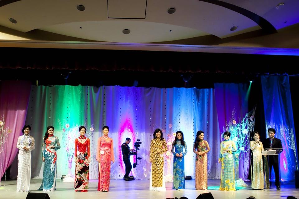 Miss Vietnam - Hoa Hau Ao Dai Bac Cali 2010 - Pageant Day - Image 101