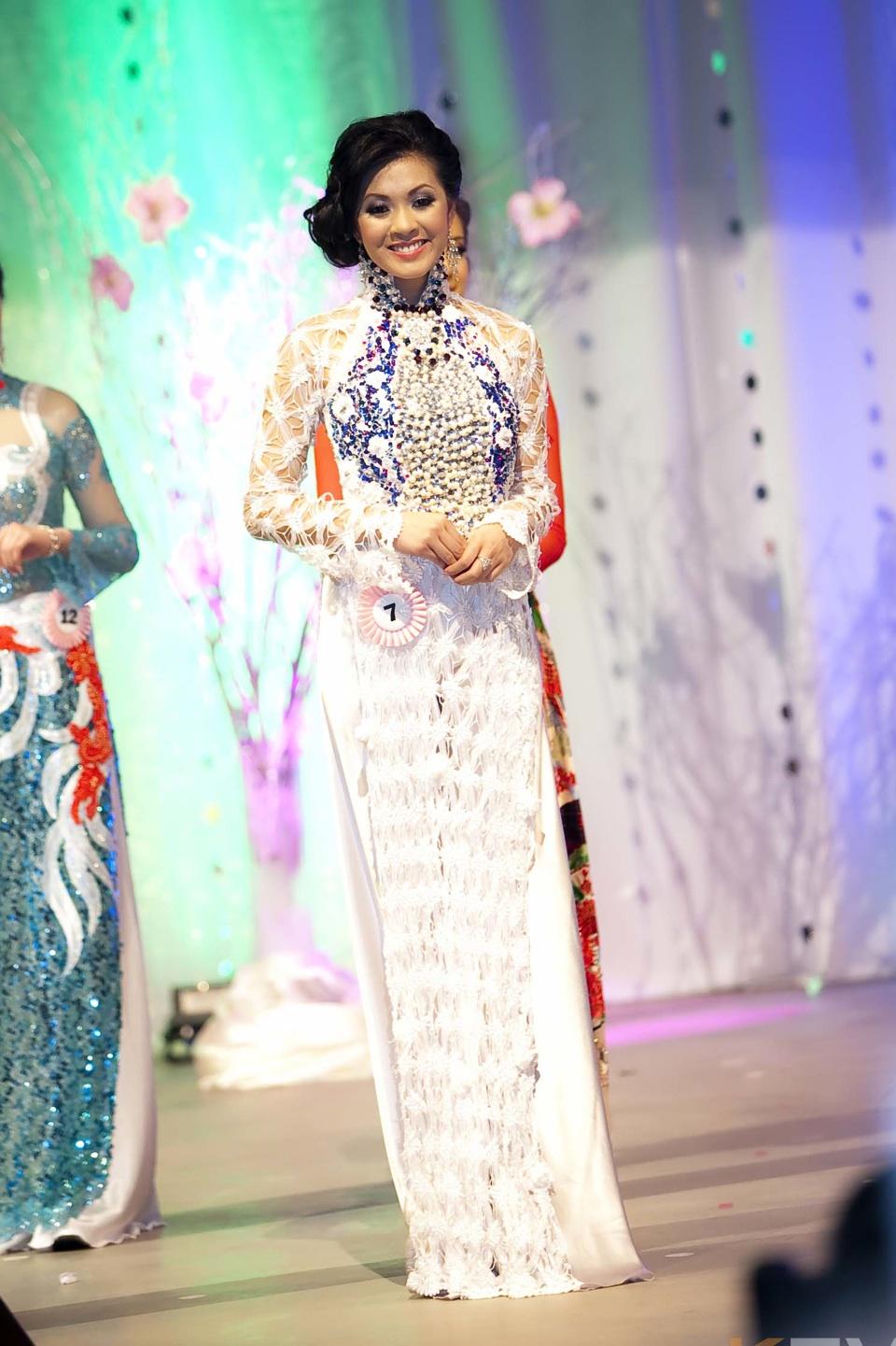 Miss Vietnam - Hoa Hau Ao Dai Bac Cali 2010 - Pageant Day - Image 106
