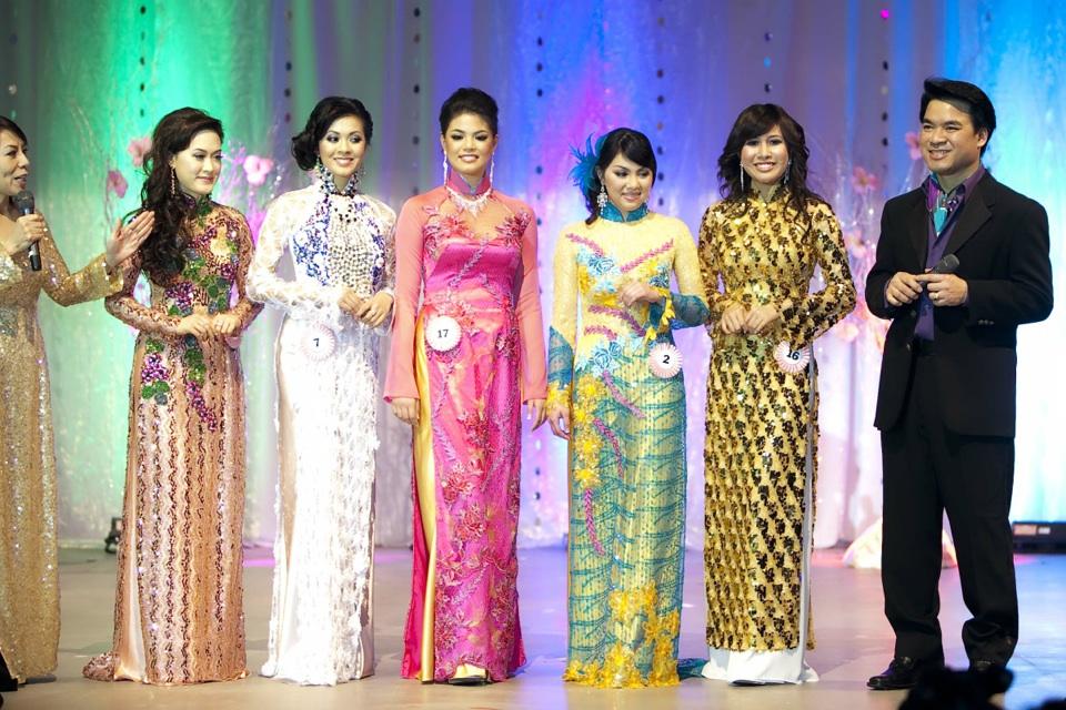 Miss Vietnam - Hoa Hau Ao Dai Bac Cali 2010 - Pageant Day - Image 107
